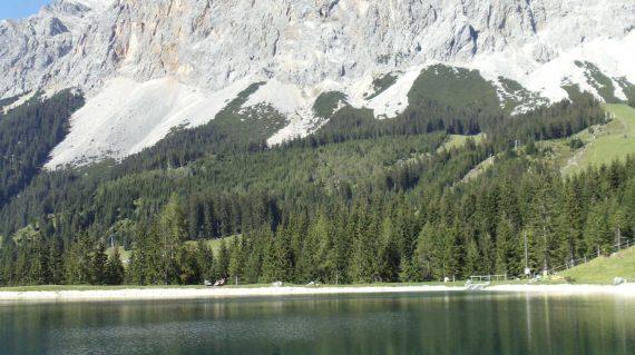 Zugspitze_Panorama_See