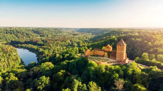 shutterstock_1099742582 - Turaida Burg (Gauja)