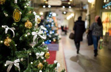 weihnachtseinkauf-shutterstock_531434992