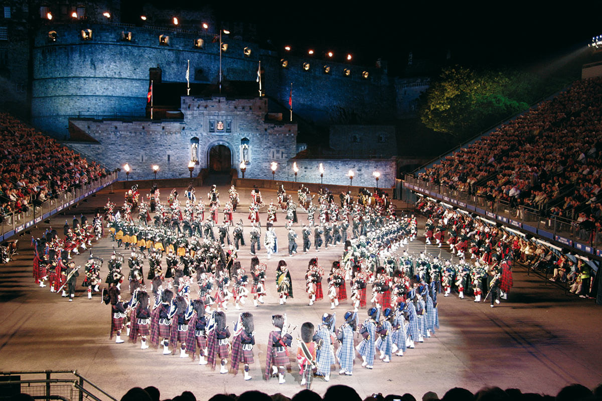 Edinburgh MilitaryTattoo Fotolia - Eventreise Schottland: The Royal Military Edinburgh Tattoo