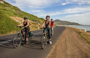 Radfahren mit Blick auf den Atlantik