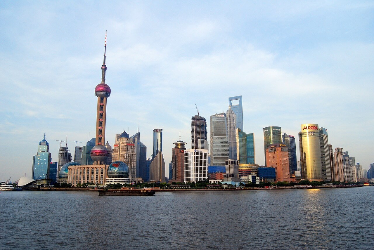 shanghai skyline 1280008 1280 - Metropolen der Superlative: Peking - Tokio - Shanghai