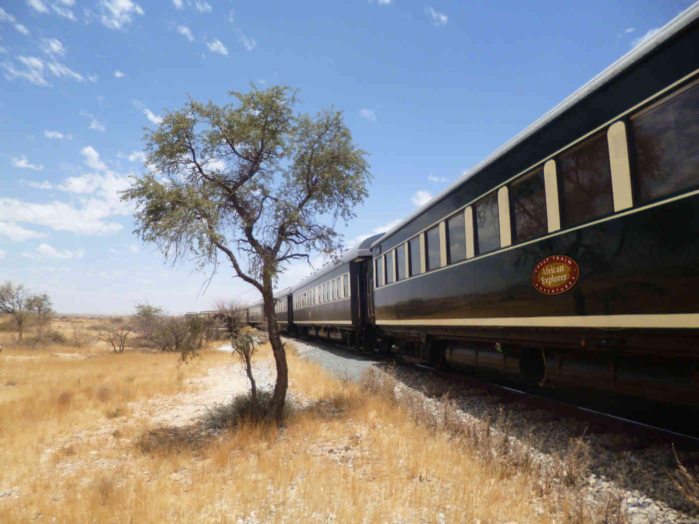 African Explorer Julia Nieratschker - Juwel der Wüste - Im African Explorer von Namibia nach Kapstadt 2020
