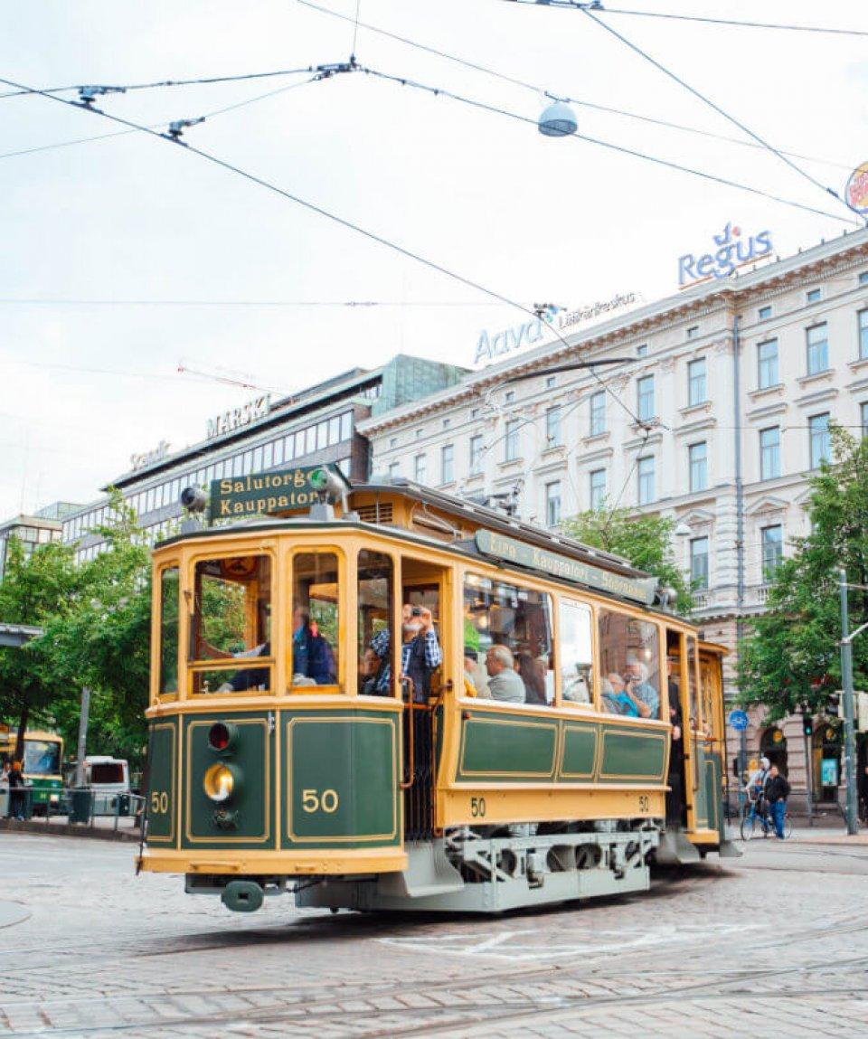 Finland_Helsinki_tram_web_by_JuliaKivela_MG_3797