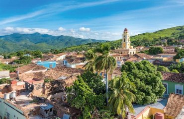 Trinidad---Klara-von-Assisi-Kloster-und-Escambray-Gebirge---fotolia-robyelo357