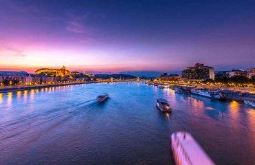 Budapest_shutterstock_1028215171