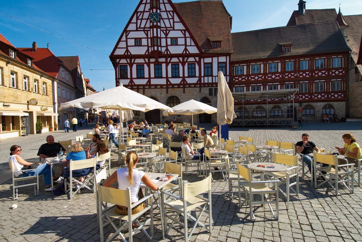 Fußgängerzone Forchheim mit Rathausensemble