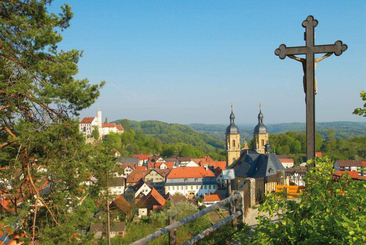 Wallfahrer und Ort Gößweinstein