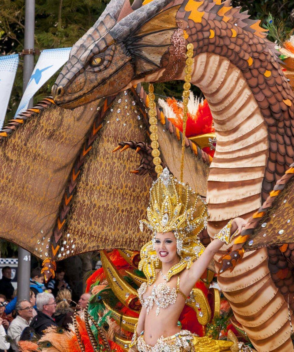 carneval-santa-cruz-shutterstock_253907017