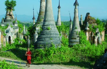 Mönch jung Stupas Fotolia