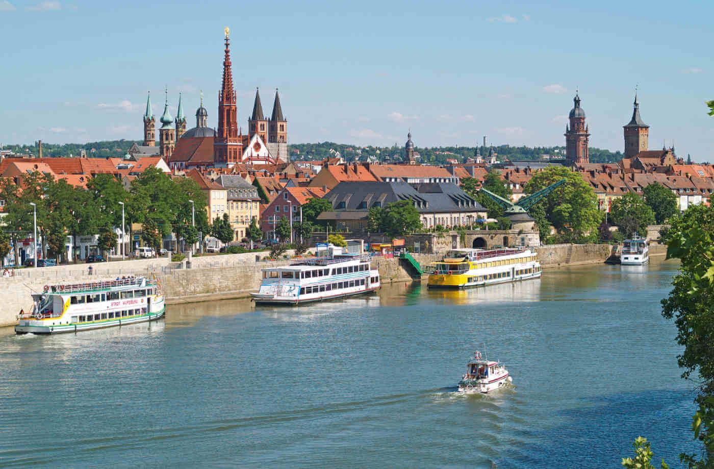 Blick auf Würzburg mit Schifffahrt - Von Würzburg nach Trier auf der komfortablen MS Elegant Lady