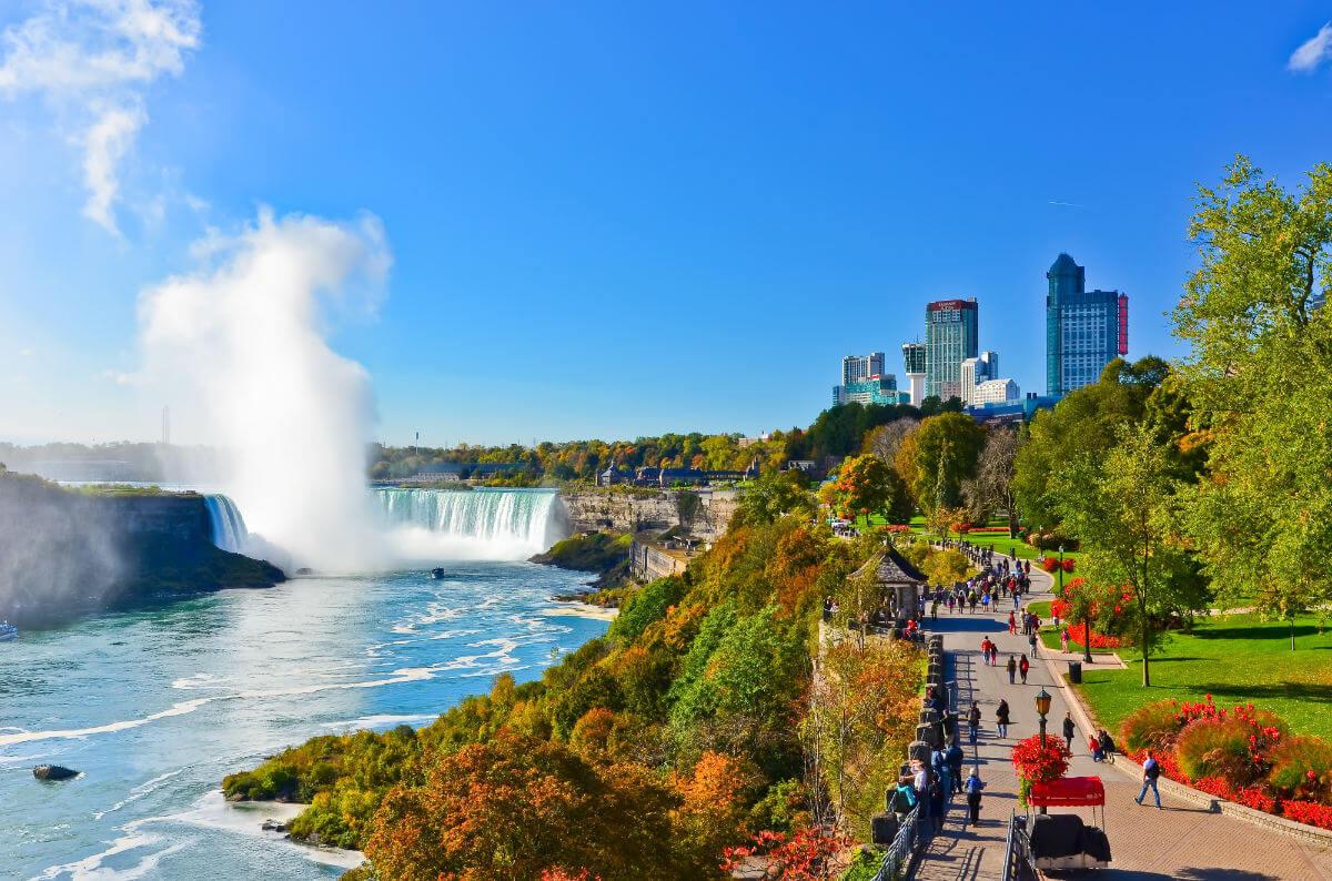 Niagarafälle Javen stock.adobe .com  - Kanada-Rundreise mit dem E-Bike