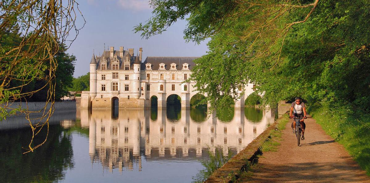 Wasserschloss Chenonceau - Fahrrad – Marco Gabbin stock.adobe.com