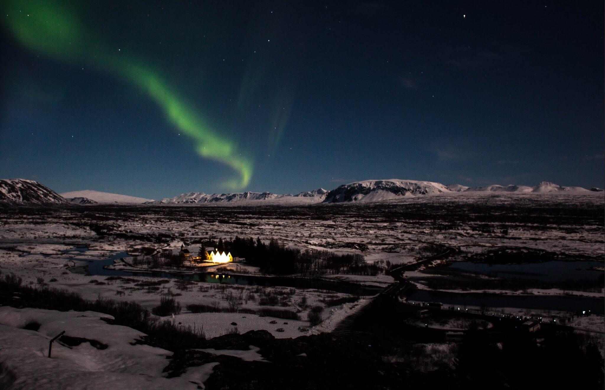 kym ellis U9lMSO8wmgs unsplash scaled - Island Winterreise - Nordlichter und heiße Quellen